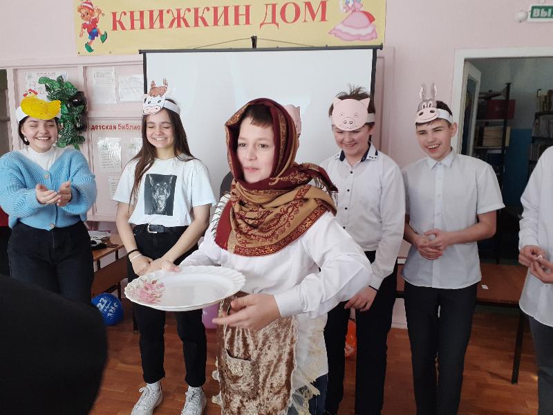 Русский солдат умом и силой богат
