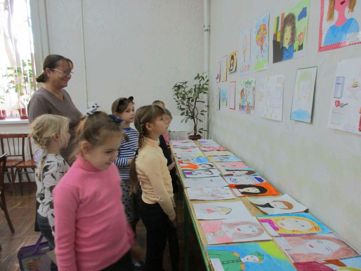 Конкурс рисунков ко Дню Матери