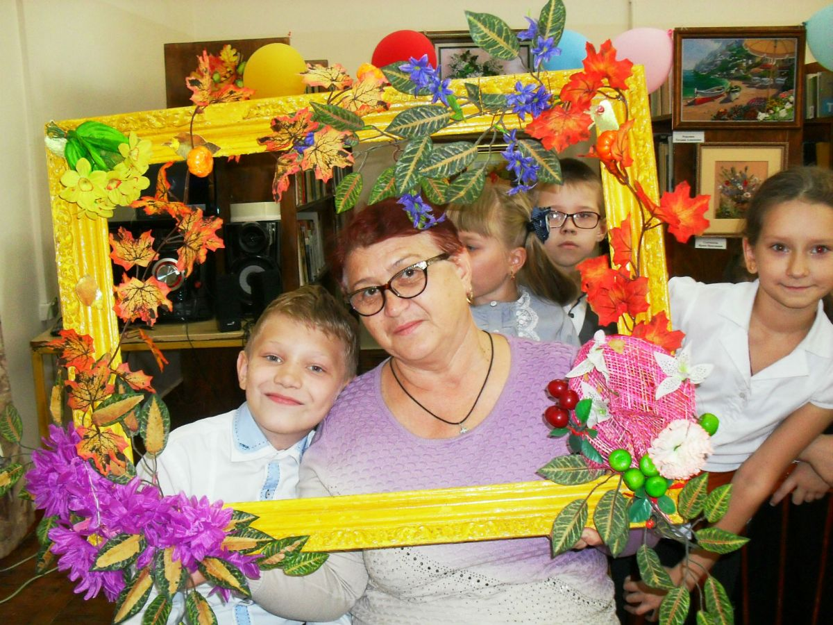 Праздник бабушек сегодня, праздник дедушек у нас